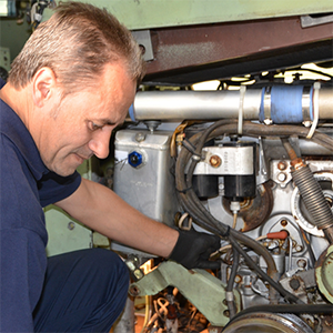 M113 vehicle maintenance